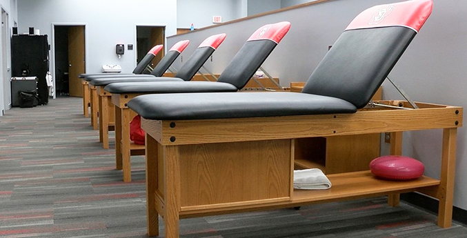 UNIVERSITY OF SOUTH DAKOTA TRAINING ROOM